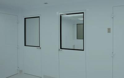 Cleanroom Doors Selection Factors to Consider